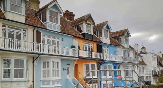 Иммиграция в Англию из России 2020. Переезд в Англию: воссоединение семьи / Недвижимость в Англии: цены падают